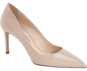Prada Pump Louboutin Pointy nude Pumps