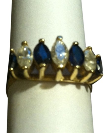 Alexanders 14 kt yellow gold Saphire & Diamond Ring