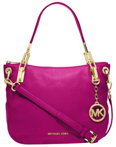 Michael Kors Satchel in Fucsia/gold