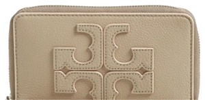 Tory Burch Tory Burch Logo Phone Wristlet Wallet New With Tags