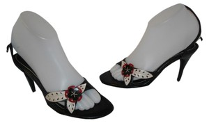Guess Multicolored Casual Floral Black, Red, White Sandals