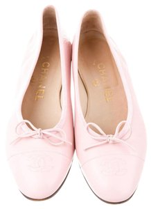 Chanel Interlocking Cc Round Toe Pink Flats