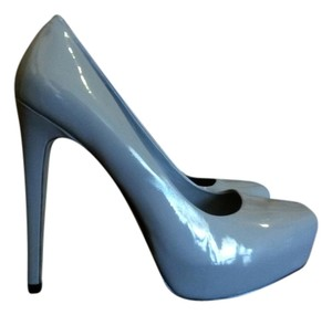 Jessica Simpson Grey Pumps