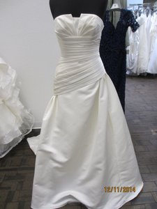 St. Patrick San Patrick Casino Bridal Dress (36l) Wedding Dress