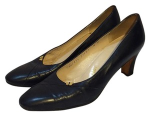 Salvatore Ferragamo Vintage Navy Blue Pumps