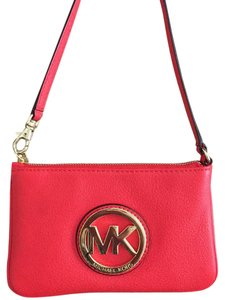 Michael Kors Leather 38t1xftw1l Pet And Smoke Free Red-orange Clutch Wristlet in Mandarin