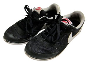Nike Size 7 Size 7.5 Black Athletic