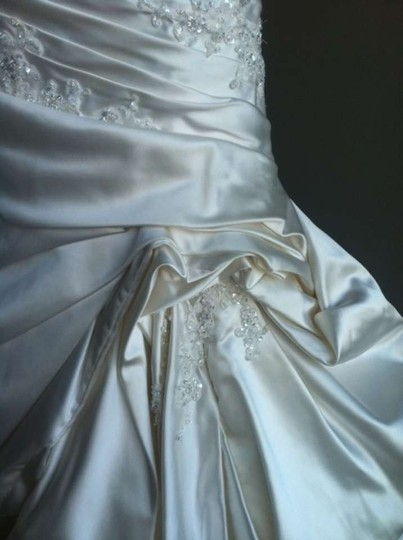 Maggie Sottero Alabaster Satin Traditional Wedding Dress Size 8 (M)