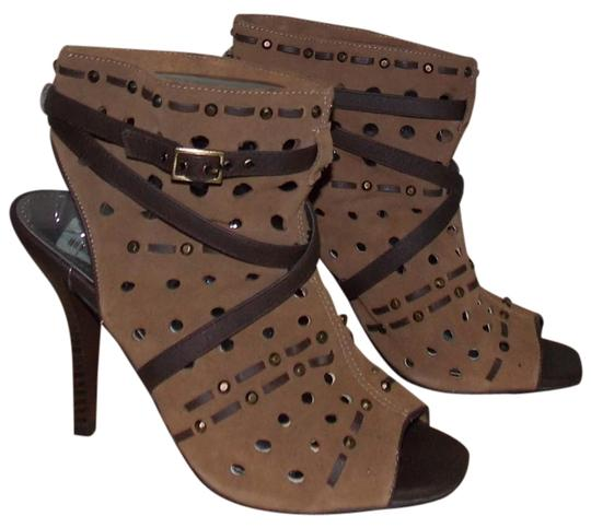 Preload https://img-static.tradesy.com/item/1733163/fergie-tan-mesmerized-bootsbooties-size-us-65-regular-m-b-0-0-540-540.jpg