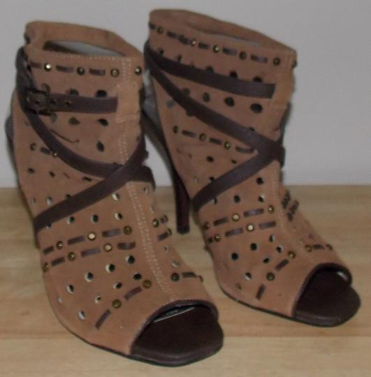 Fergie tan Boots