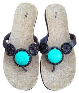 Apt. 9 Turqoise Thong Vegan Flats Brown w/Turquoise Sandals