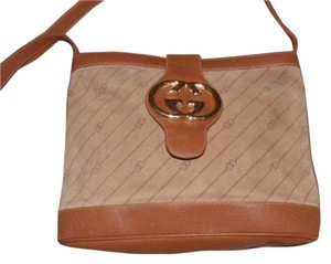 Gucci Bold Gold Accents Bucket High-end Bohemian Britt Blondie Style Shoulder Bag