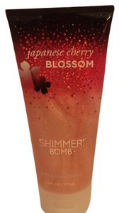 Bath and Body Works Japanese Cherry Blossom Shimmer Bomb