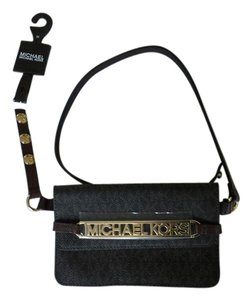 Michael Kors MK belt with small pouch