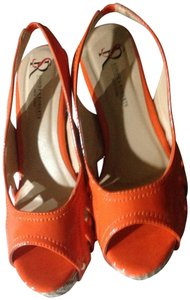 Sondra Roberts Orange Wedges