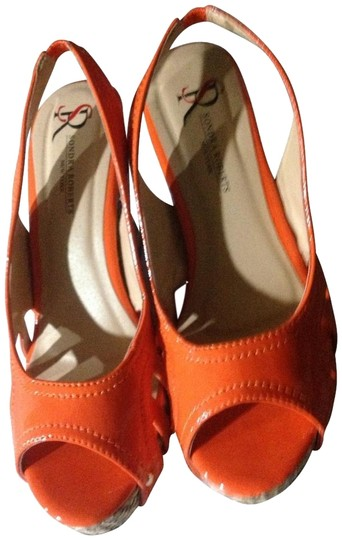Preload https://img-static.tradesy.com/item/173372/sondra-roberts-orange-wedges-size-us-6-0-1-540-540.jpg