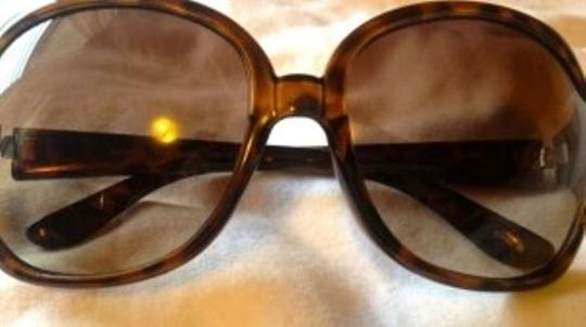 Betsey Johnson Sunglasses with Yellow Flower Temple