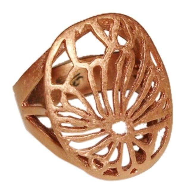 Item - Bronze Oval Flower Cut-out Cocktail Statement - Size 7 Ring