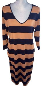 Old Navy Super Cute Fitted Maternity Dress