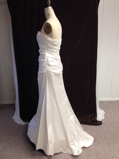Romona Keveza Ivory Silk Satin L732 X Asymmetrically Ruched Strapless Sweetheart Feminine Dress Size 8 (M)