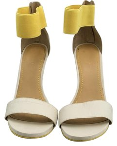 Nine West White/Yellow Pumps