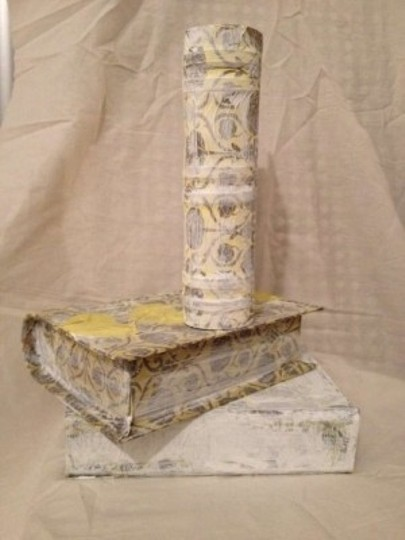 Preload https://item3.tradesy.com/images/gray-yellow-white-set-of-4-paper-mache-book-boxes-reception-decoration-173392-0-0.jpg?width=440&height=440