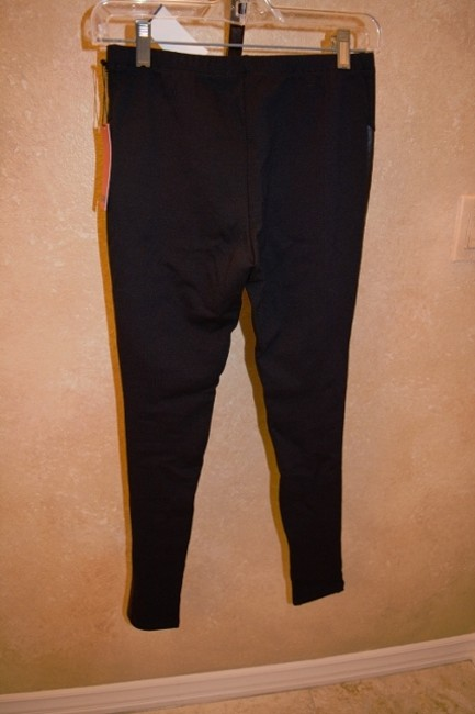 5/48 New With Tags Sof And Comfortable Jeggings