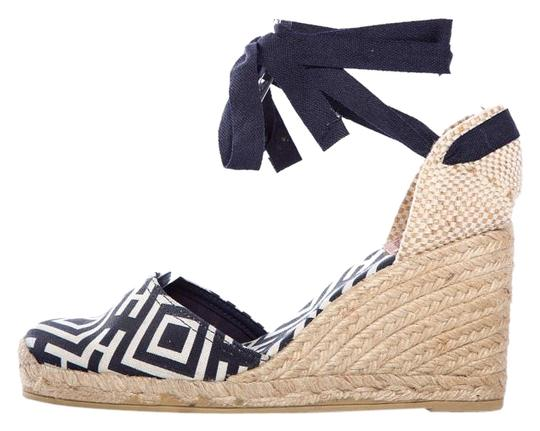 Preload https://item2.tradesy.com/images/tory-burch-navy-white-and-tan-geo-print-canvas-espadrille-wedges-size-us-85-regular-m-b-17341486-0-1.jpg?width=440&height=440