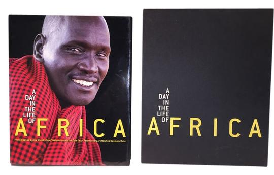 Other Africa Table Volume; A Day In The Life Of Africa [ Roxanne Anjou Closet ]