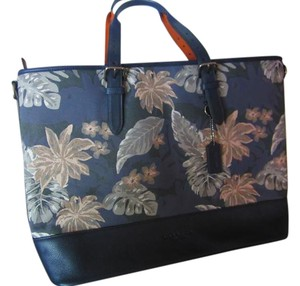 Coach Weekender Luggage Carry On New HAWAIIAN PALM Travel Bag
