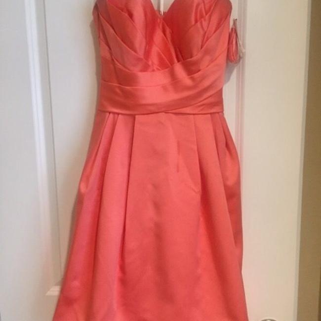 Item - Coral Satin Traditional Bridesmaid/Mob Dress Size 4 (S)