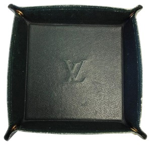 Louis Vuitton WAS $80 #7475 Monogram Taiga leather green change tray