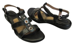 Nine West Size 7.50 M Leather Very Good Condition Black Sandals