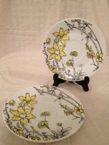 INC International Concepts Yellow White and Black Set Of 2 Small China Plates. Floral Pattern Reception Decoration