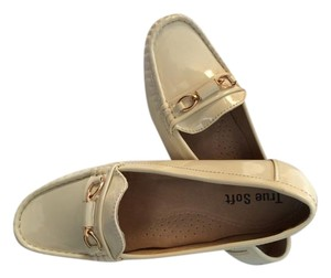 True Soft Gold Hardware Casual Moccassins Comfortable Ivory Flats