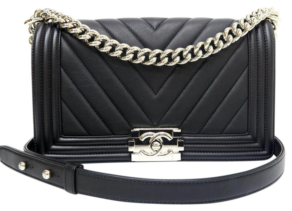 Chanel Boy 2016 Like New Medium Chevron Le Shoulder Black Calfskin ... c7b259f6e82fb