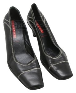 Prada Black. Pumps