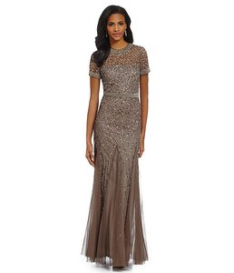 Adrianna Papell Lead Beaqed Beaded Short Sleeve Gown Dress