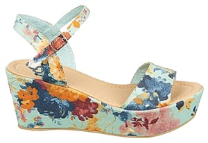 Fergalicious by Fergie Blue floral Wedges