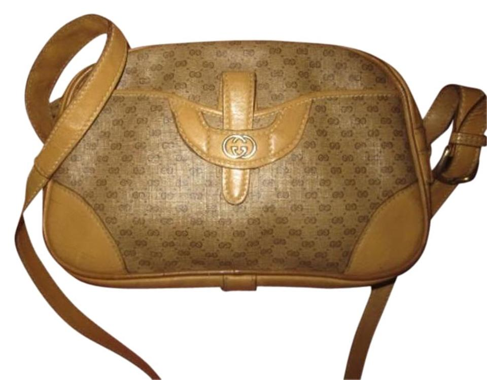 cfb62968686 Gucci Small G Logo Rare And Unique Mint Vintage Mod And Chic Bowling Shape  Cross Body ...