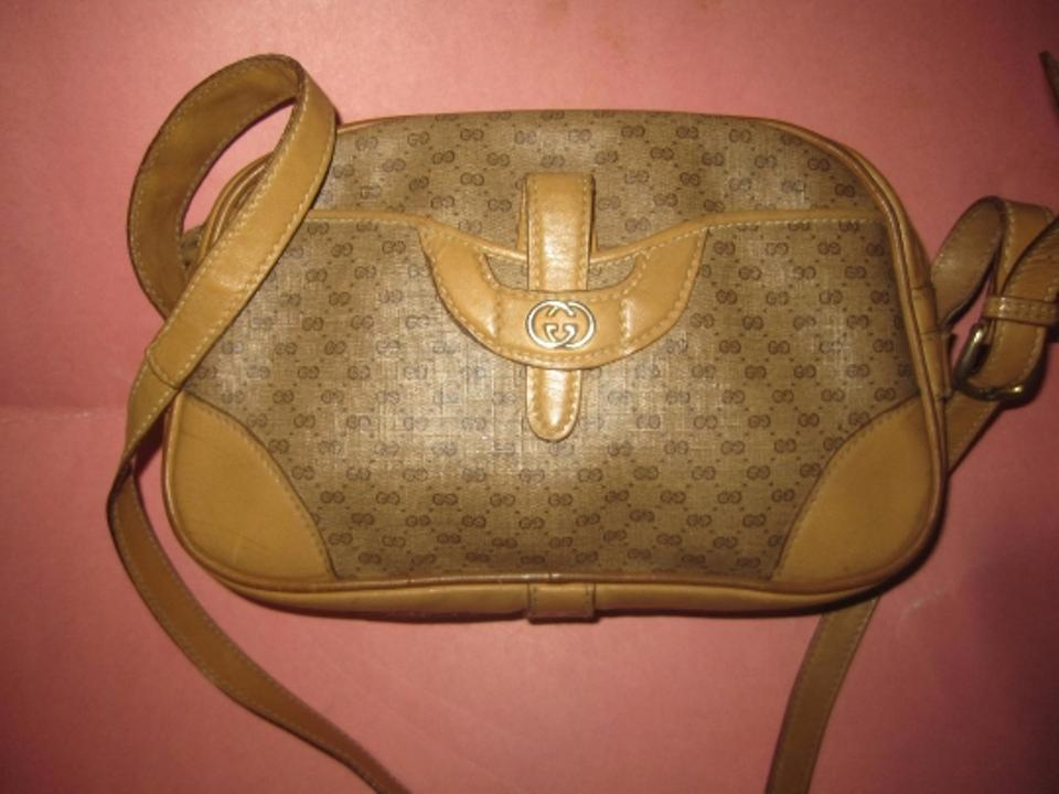 be6610ad09d Gucci Small G Logo Rare And Unique Mint Vintage Mod And Chic Bowling Shape  Cross Body. 12345