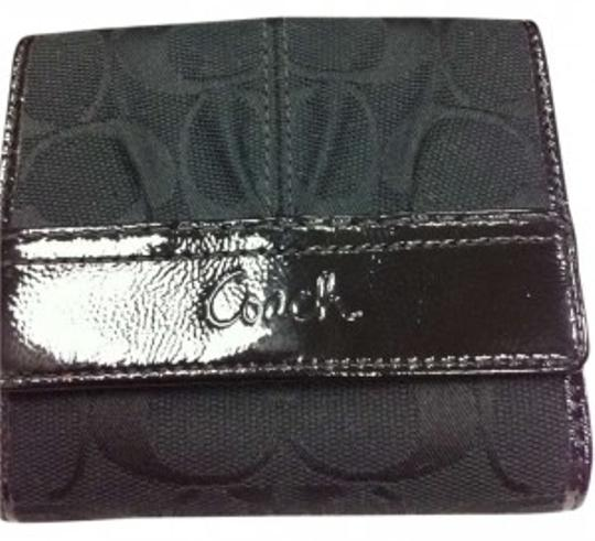 Preload https://item2.tradesy.com/images/coach-black-soho-pleated-signature-french-purse-wallet-173711-0-0.jpg?width=440&height=440