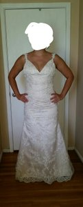 Essense of Australia Ivory Lace and Fabric Style 5984 Formal Wedding Dress Size 10 (M)