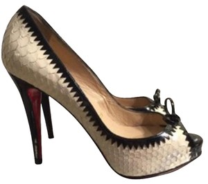 Christian Louboutin White and black Pumps