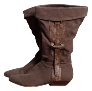 REPORT Brown Boots