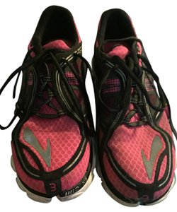 Brooks pink/black Athletic