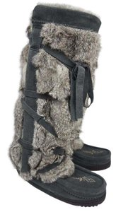 Manitobah Charcoal Boots