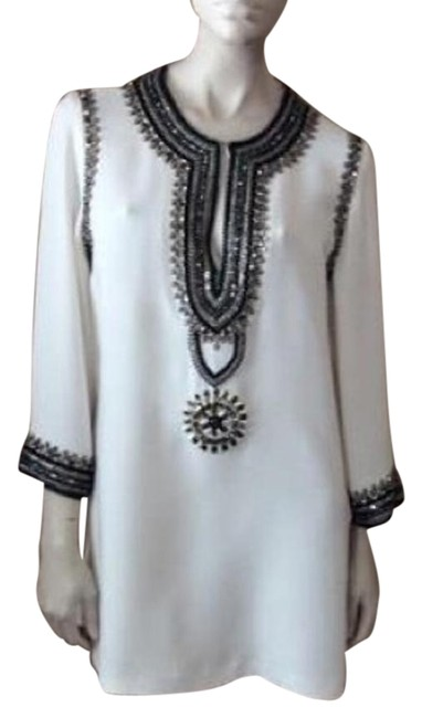 Item - Ivory Beaded Tunic Above Knee Formal Dress Size 8 (M)