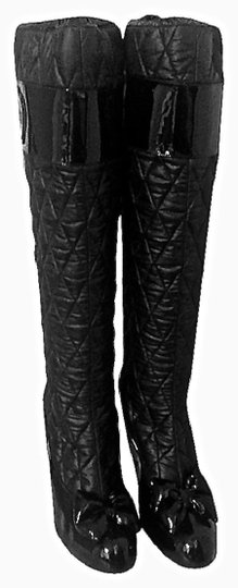 VIKTOR & ROLF Leather Quilted Pull On Runway Black Boots