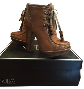 MIA Brown/Chestnut Boots
